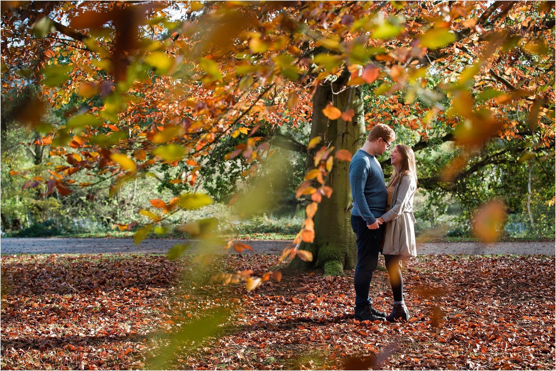 autumn-engagement-session_0015