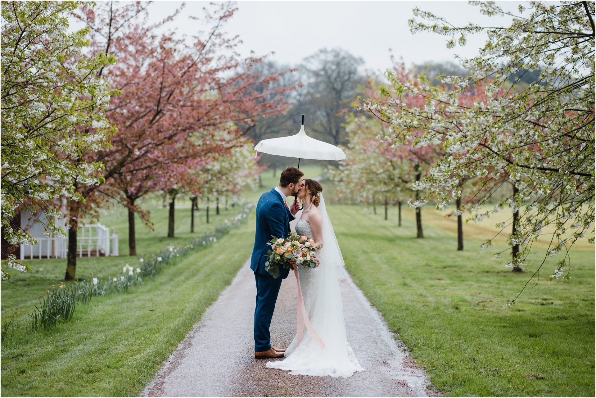 Rainy wedding at Norwood Park