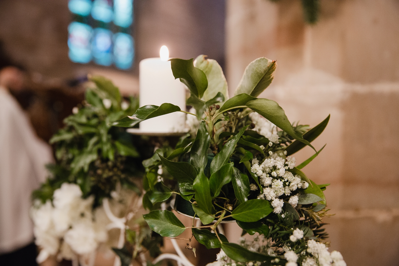 winter wedding in church flower details