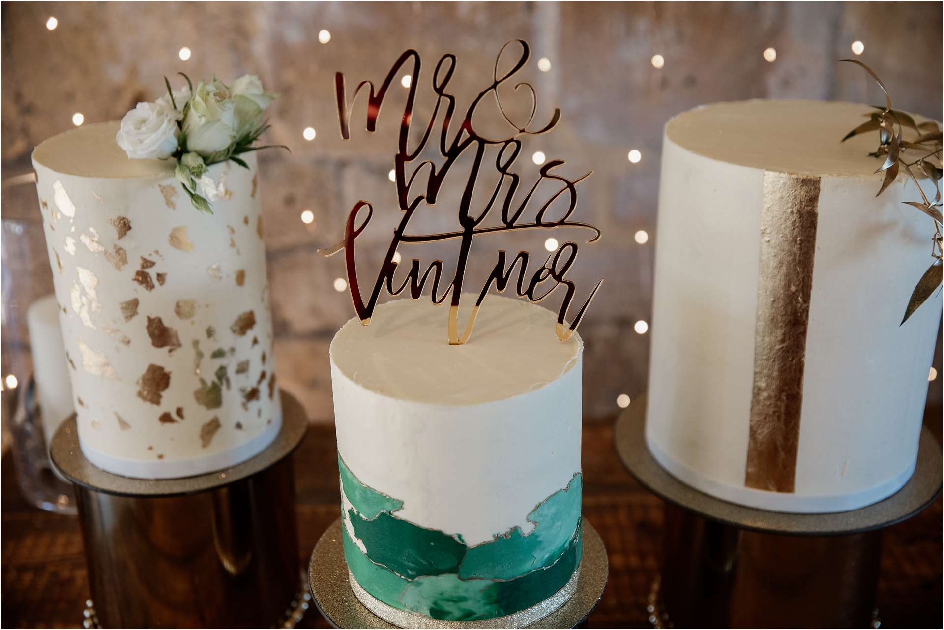 Lapstone Barn winter wedding cakes
